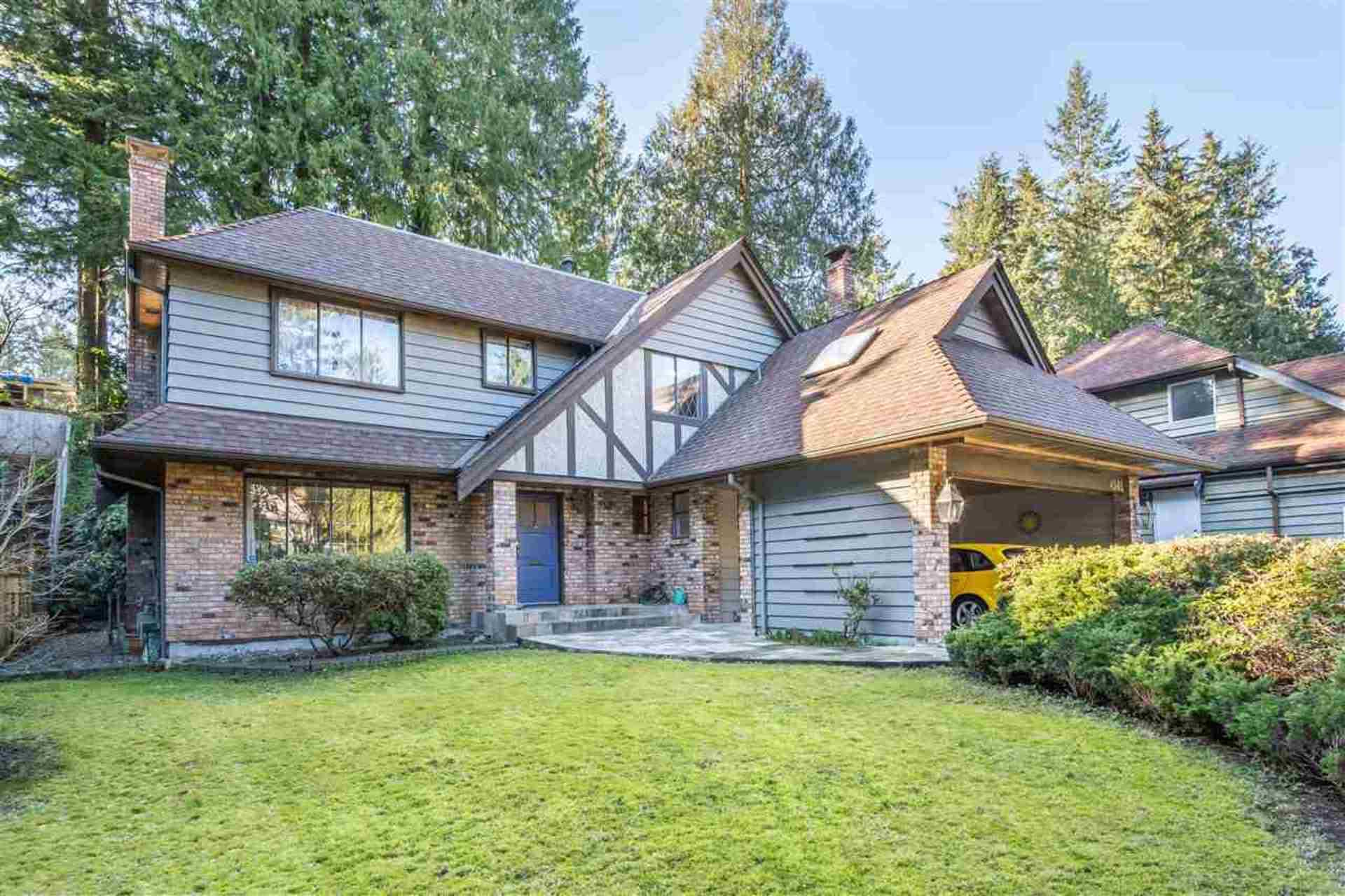 4541 Mapleridge Drive, Canyon Heights NV, North Vancouver