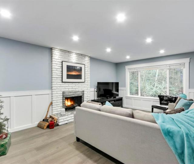 537 W 15th Street, Central Lonsdale, North Vancouver 2