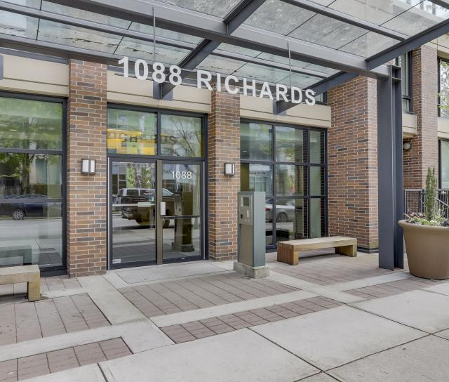 1701 - 1088 Richards Street, Yaletown, Vancouver West 2